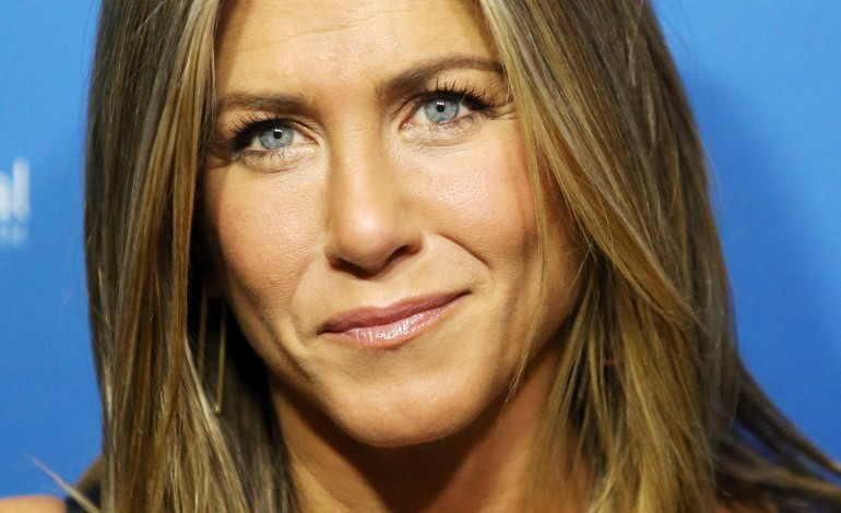 Jennifer Aniston to Star Alongside Robert De Niro in 'The ... Jennifer Aniston Movies