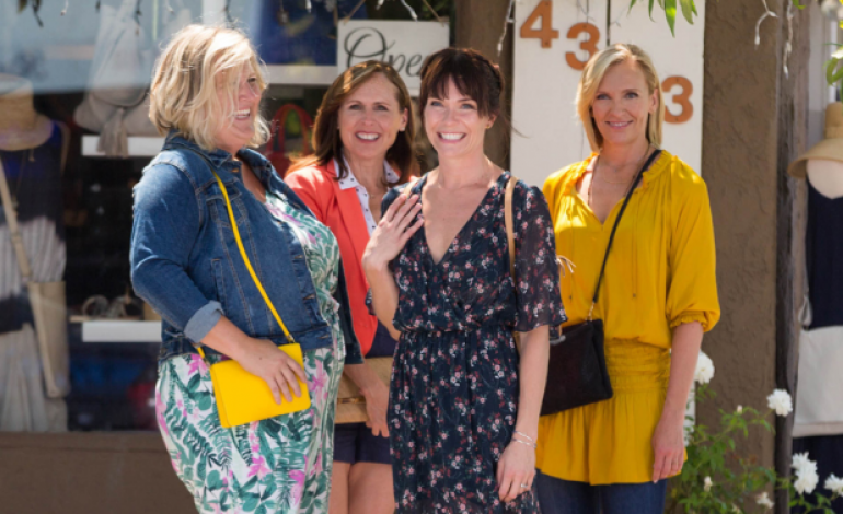 'Fun Mom Dinner' Gets Picked Up by Netflix at Sundance