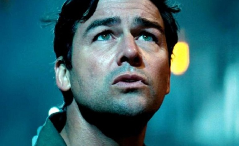 Kyle Chandler Fends off Godzilla: King of the Monsters