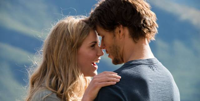 Sara Canning and Ryan Kwanten star in 'The Right Kind Of Wrong'.