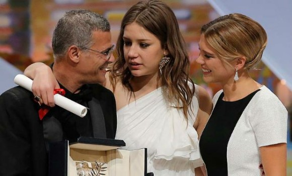 blue-is-the-warmest-color-cannes-win-cr