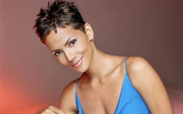 HALLE BERRY FEATURE