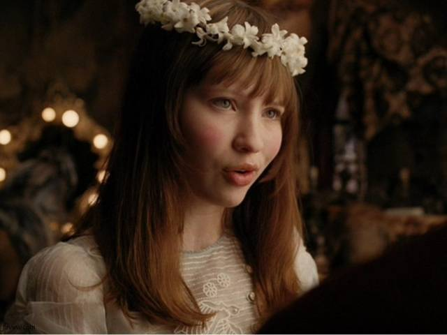 Emily Browning plays the female lead in 'Pompeii'