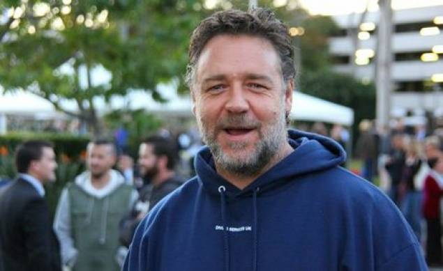 Russell Crowe will direct and star in 'The Water Diviner'.