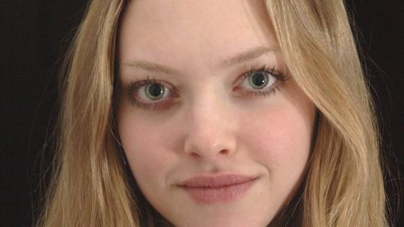 Amanda-Seyfried-Wallpaper-HD-44