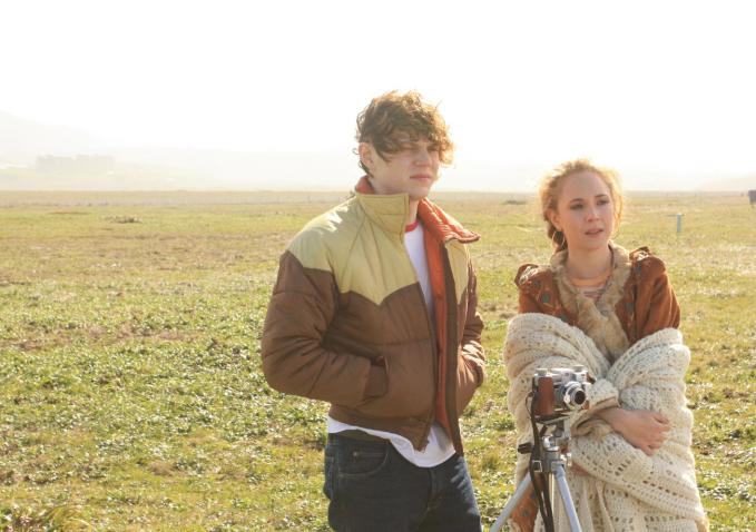 Evan Peters and Juno Temple Take a Romantic Road Trip in First 'Safelight' Trailer