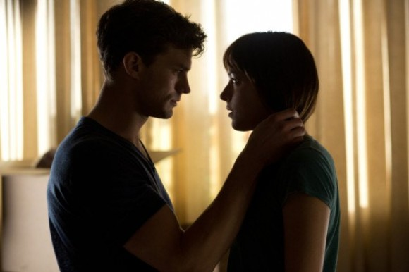 xjamie-dornan-dakota-johnson-fifty-shades-of-grey-still.jpg.pagespeed.ic.Wjk71vSjgXaJ26koGxQM