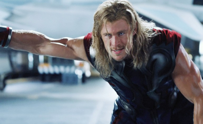 Chris Hemsworth Joins Paul Feig's Gender-Bending 'Ghostbusters' Reboot