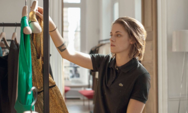 "Cannes Audiences ""Boo"" Olivier Assayas' 'Personal Shopper' While Early Reviews Give Praise"
