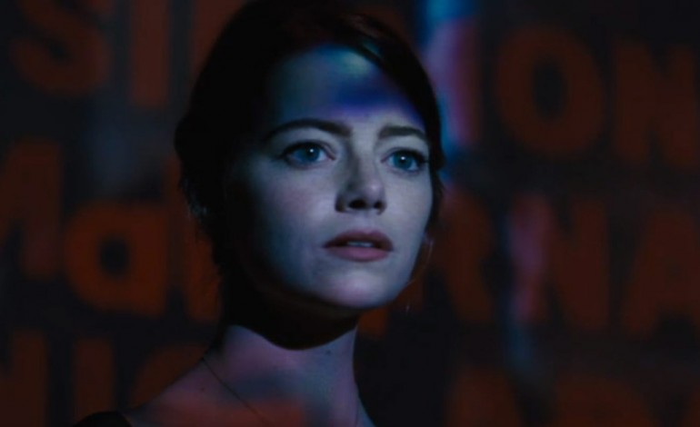 Emma Stone Takes the Mic in New 'La La Land' Teaser