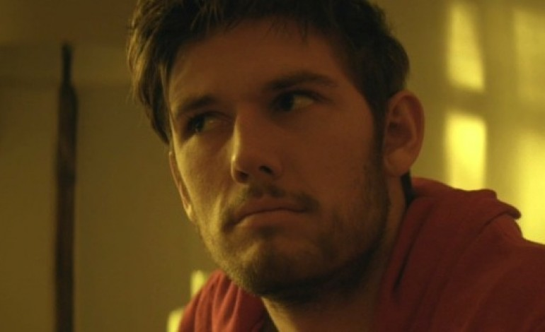 Alex Pettyfer to Make Directorial Debut With Murder Drama 'Back Roads'
