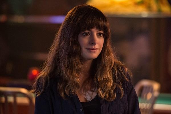 Anne Hathaway Set to Star in Sci-Fi Thriller 'O2'